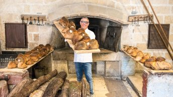 Pugliese bread: how to make bread the Altamura way. It's authentic Italian bread!